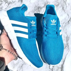 Adidas Swift Run in Tropical Blue